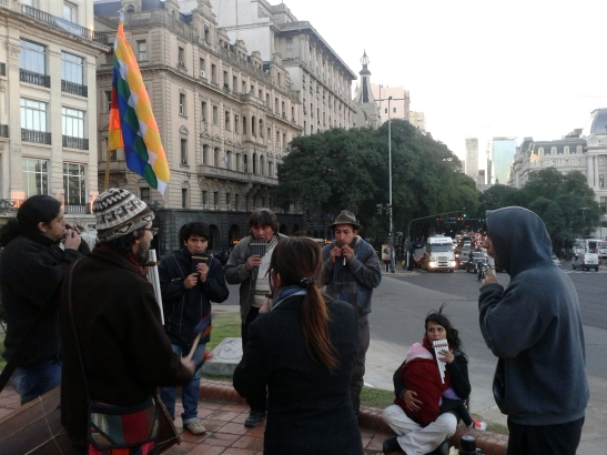 Vientos de Manuá, al pie del Monumento de Garay, en la antigua orilla del Río de la Plata (hoy Avenida Leandro Alem).